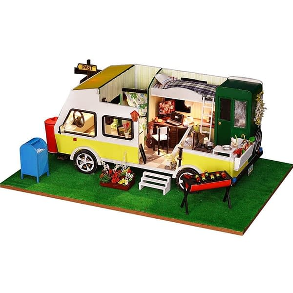 Leisure Holiday DIY 3D Dollhouse Kit